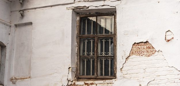 Στους Δήμους τα ετοιμόρροπα εγκαταλελειμμένα κτίρια