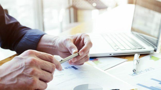 Ευρύτερη πλειοψηφία εξασφαλίζει επί της αρχής το νομοσχέδιο για την απλούστευση διαδικασιών έναρξης επιχειρηματικών δραστηριοτήτων