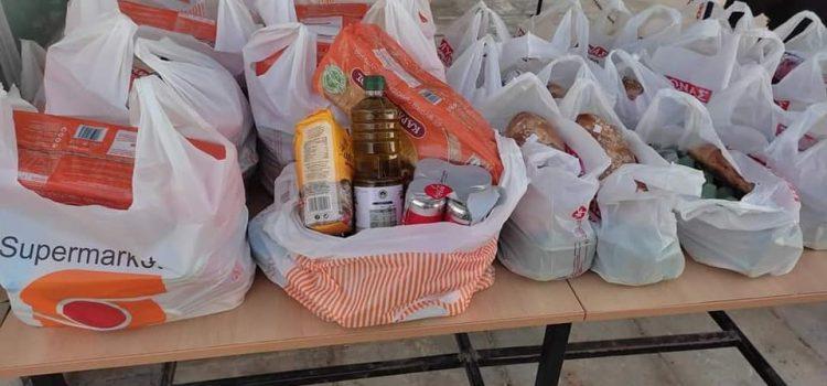 Διανομή τροφίμων στους δικαιούχους του Κοινωνικού Παντοπωλείου
