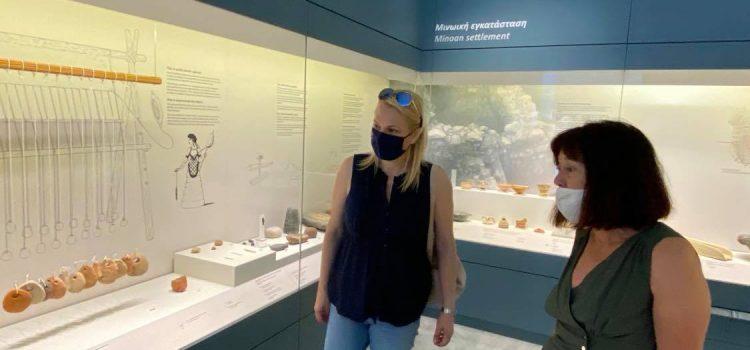 Επίσκεψη της Αντιπεριφερειάρχη Νήσων στα Κύθηρα