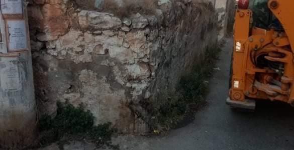 Παρεμβάσεις του Δήμου Σαλαμίνας για την ασφάλεια των πολιτών – κατεδαφίσεις παλαιών κτισμάτων