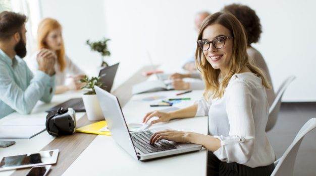 Τι προβλέπει το νομοσχέδιο του υπουργείου Εργασίας για την ψηφιακή κάρτα εργασίας – Οι 10 βασικές διατάξεις του εργασιακού νομοσχεδίου