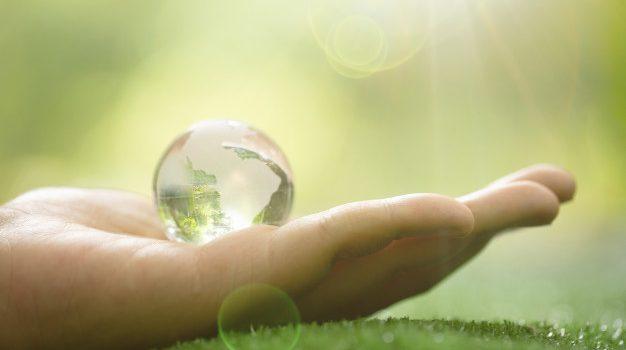 Η Ευρώπη μπορεί να γίνει πρωτοπόρα αγορά για μια φιλική προς το περιβάλλον και το κλίμα ναυπηγική βιομηχανία, τονίζει η καγκελάριος Μέρκελ