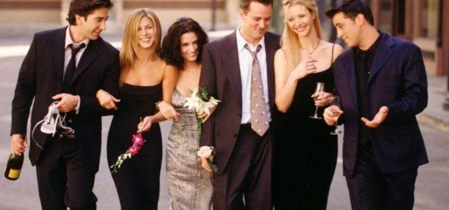 Γενεαλόγοι αποκαλύπτουν ότι οι πρωταγωνιστές της σειράς «Friends» Μάθιου Πέρι και Κόρτνεϊ Κοξ είναι μακρινά ξαδέλφια