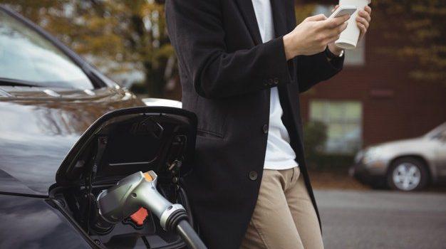 Νέα έκθεση του Διεθνούς Οργανισμού Ενέργειας (ΙΕΑ) βλέπει σημαντική αύξηση των πωλήσεων ηλεκτρικών αυτοκινήτων τα επόμενα χρόνια