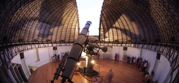 Ξανά βραδιές κάτω από τ' αστέρια στα Κέντρα Επισκεπτών του Εθνικού Αστεροσκοπείου στο Θησείο και στην Πεντέλη