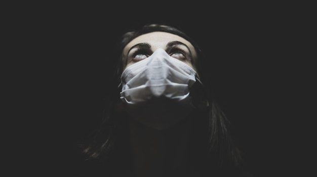 Πόσοι θάνατοι από κορονοϊό θα είναι αποδεκτοί στον μετα-πανδημικό κόσμο; Κάθε χώρα μπορεί να ορίσει διαφορετικό όριο, λένε οι επιστήμονες