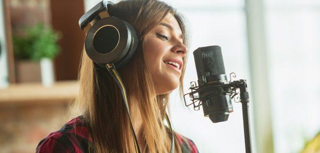 Τρεις μαθήτριες του Μουσικού Σχολείου Αλίμου θα συμμετάσχουν στον πρώτο διεθνή διαγωνισμό τραγουδιού για μουσικούς με οπτική αναπηρία