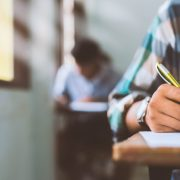 Πανελλήνιες 2021: Ανακοινώθηκε το πρόγραμμα των Ειδικών Μαθημάτων για ΓΕΛ και ΕΠΑΛ