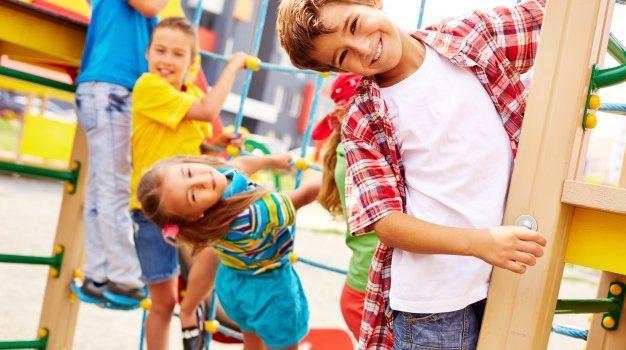 Επαναλειτουργούν από σήμερα οι παιδότοποι, τα λούνα παρκ και οι υπηρεσίες ευεξίας