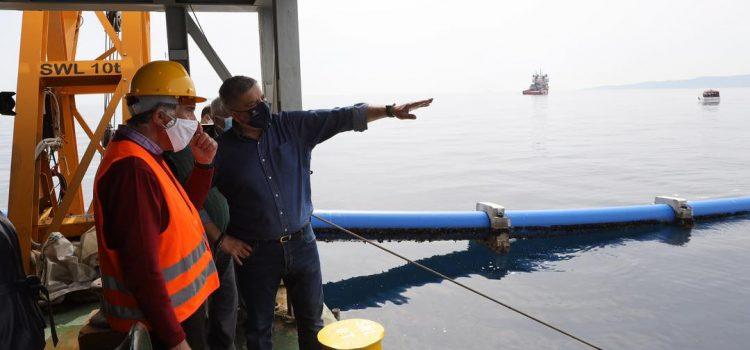 Ολοκληρώθηκε η πόντιση του υποθαλάσσιου αγωγού υδροδότησης της Αίγινας, ένα έργο που χρηματοδοτείται από την Περιφέρεια Αττικής με πόρους του ΕΣΠΑ ύψους 21. 5 εκ. ευρώ- Τέλη Σεπτέμβρη παραδίδεται προς χρήση στους πολίτες
