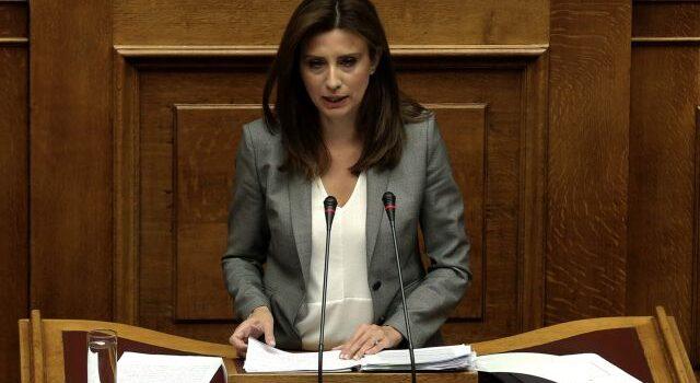 Νίνα Κασιμάτη: Στη Βουλή η αποδυνάμωση του 1ου Κέντρου Υγείας Σαλαμίνας με αναγκαστικές μετακινήσεις προσωπικού εν μέσω πανδημίας και θερινής περιόδου