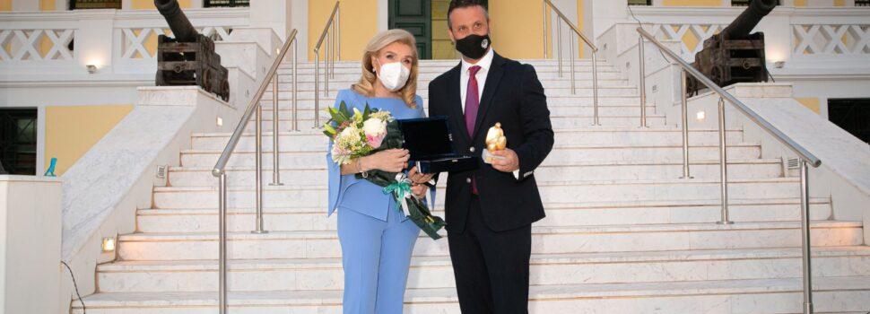 Σε Επίτιμη Δημότη Σαλαμίνας ανακηρύχθηκε η Πρόεδρος της Διεθνούς Τιμητικής Κοσμητείας του Επετειακού Έτους «Θερμοπύλες-Σαλαμίνα 2020» & Πρέσβης Καλής Θελήσεως της UNESCO κυρία Μαριάννα Β. Βαρδινογιάννη