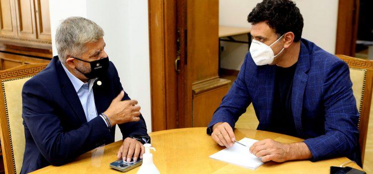 Συνάντηση του Περιφερειάρχη Αττικής και Προέδρου του ΙΣΑ Γ. Πατούλη με τον Υπ. Υγείας Β. Κικίλια