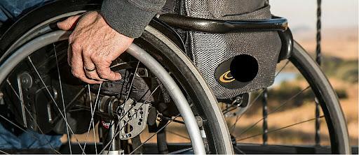 Παρατείνονται οι καταβολές αναπηρικών συντάξεων και προνοιακών παροχών