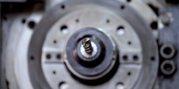 ΕΑΒ: οι 28 ειδικότητες μηχανικών και τεχνιτών για 333 νέες προσλήψεις