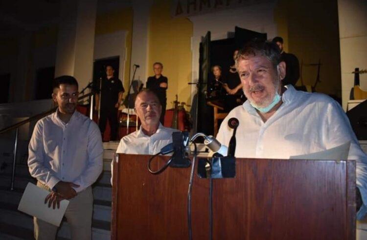 Ο Γιώργος Ρούσσης θα συντηρήσει ΔΩΡΕΑΝ το άγαλμα του Αίαντα στο κέντρο της Κούλουρης